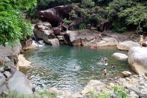 Los visitantes también tienen la opción de disfrutar a plenitud los ríos localizados dentro del bosque nacional. (Tomada: Puerto Rico Day Trips)