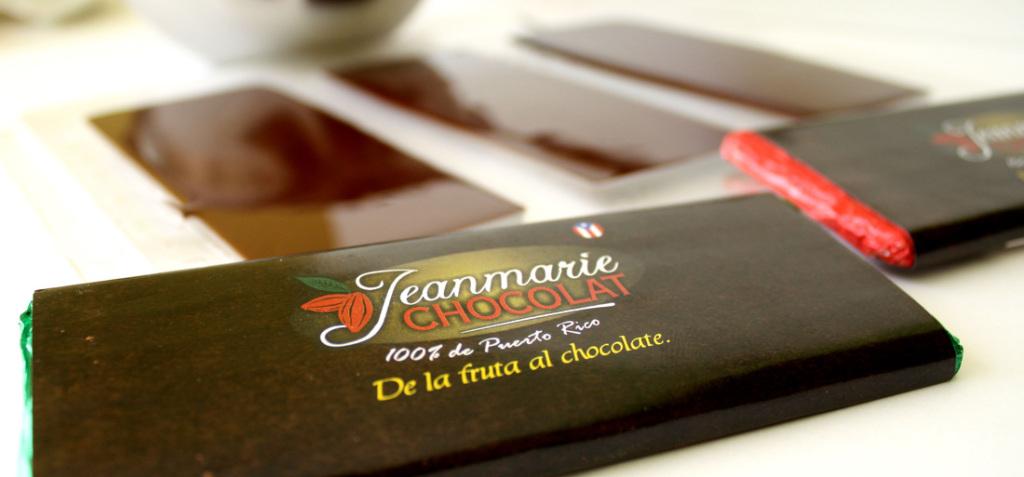 Barra de chocolate producida por el agricultor ecológico Juan Echevarría. (Suministrada/Jeanmarie Chocolat)