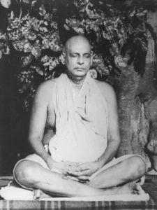 Laya Yoga es una escuela basada en las enseñanzas del maestro espiritual hindú, Sivananda Saraswati. (Tomado de   yoga.me.uk)
