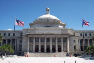 Capitolio de Puerto Rico ubicado en las cercanías del Viejo San Juan, Puerto Rico (tomada de puertorico.com.pr)