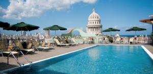 Hotel Saratoga, ubicado en la plaza de armas de la Habana Vieja. Es considerado por la revista Conde Nast británica como uno de los mejores 20 hoteles del mundo (tomada de Hotelesia.com)
