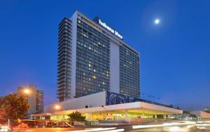 Hotel Habana Libre, antiguo Habana Hilton. Tras la revolución cubana el gobierno expropio el hotel y lo vendió a la cadena española de hoteles Tryp ( tomada de welcometocuba.com)