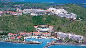Vista aérea de uno de los hoteles más lujosos de Puerto Rico. El conquistador resort pertenece a una de las cadenas hoteleras más prestigiosas, Waldorf Astoria y se ubica en fajardo, Puerto Rico (tomada de edsaplan.com)