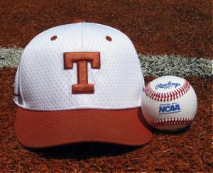 Gorra del equipo de beisbol de la Universidad de Texas donde el joven pelotero iba a jugar (Texasbaseball.com)
