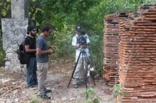 William Ladner, Arnaldo Rodríguez y Carlos Zayas durante la filmación. (Suministrada)