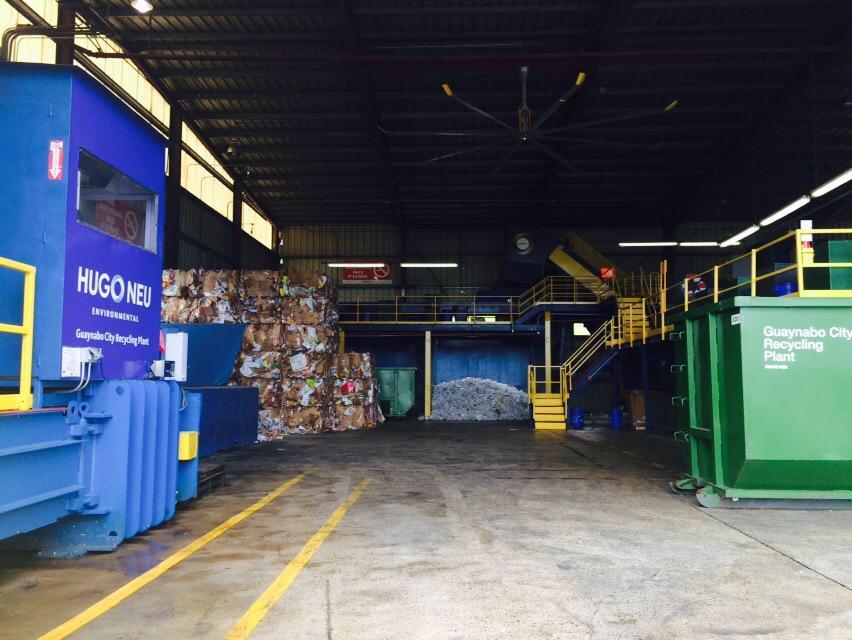 El municipio de Guaynabo cuenta con la planta de reciclaje Hugo Neu en donde diariamente se procesan materiales reciclables mezclados, recogidos de hogares y empresas. (Por Daniella Claudio)