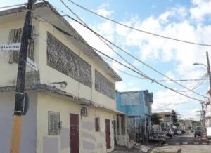 Calle Henna del sector La Playita en Santurce. Parte de las zonas inundables en el área metropolitana. Foto por Ambar Rodriguez.